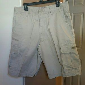 NWT Wrangler cargo shorts
